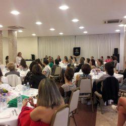 (Português do Brasil) Chá em Blumenau (SC) Capítulo 033 (08/04)